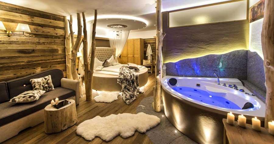 Una delle camere di Abinea Dolomiti