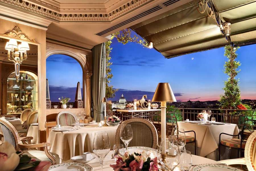 La meravigliosa vista dal Hotel Splendide Royal