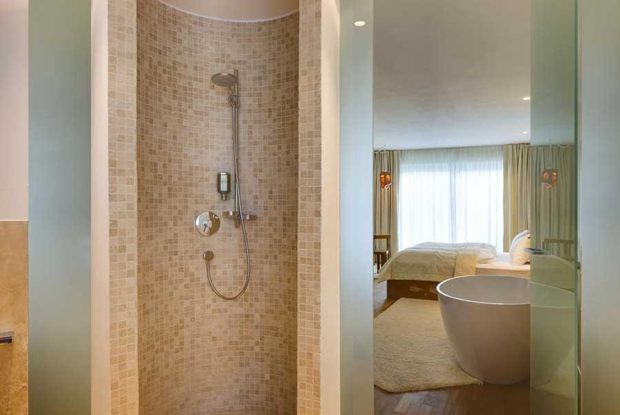Una delle camere con vasca del Boutique Hotel ImperialArt