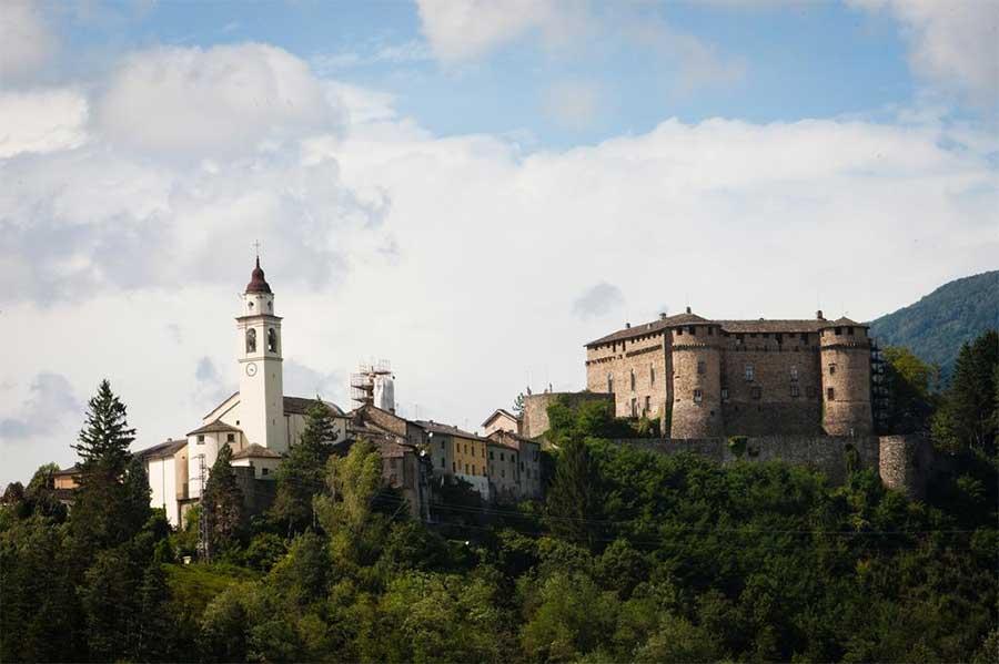 Castello Di Compiano Hotel