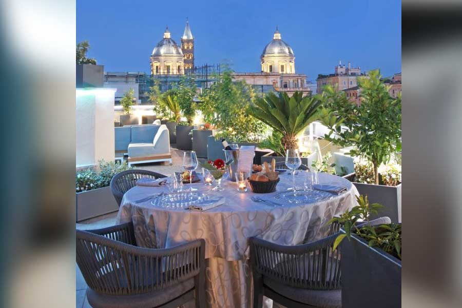 Cena romantica al The Hive Hotel - Ristorante 5° piano su terrazzo