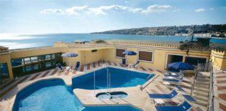 Hotel Royal Continental una delle scelte top dove dormire a Napoli