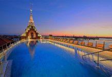 La favolosa piscina all ultimo piano dell Hilton Molino Stucky