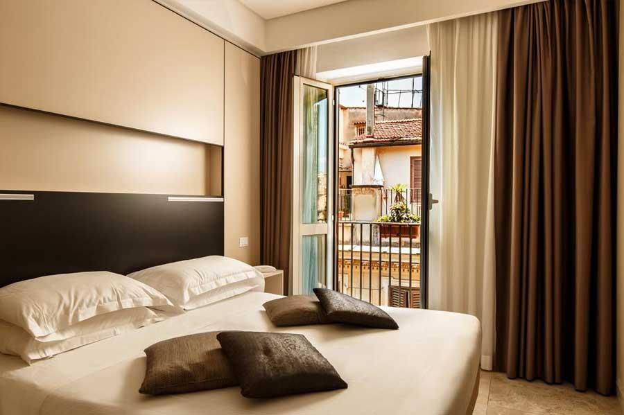 Una delle camere dell'Hotel Smeraldo