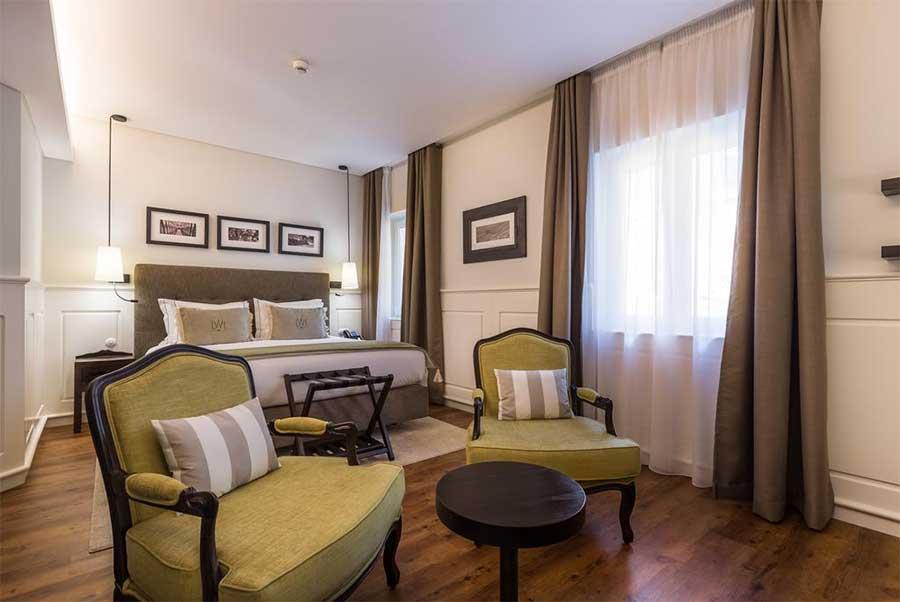 Una delle camere del Lisbon Wine Hotel