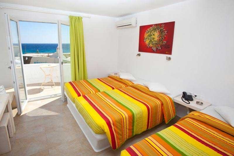 Una delle camere del Paradise Beach Resort