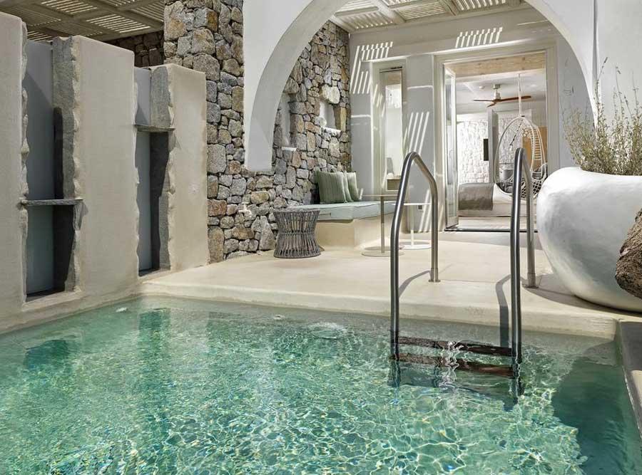 La piscina privata fuori dalla propria camera