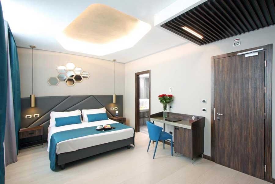 Una delle camere del The Hive Hotel