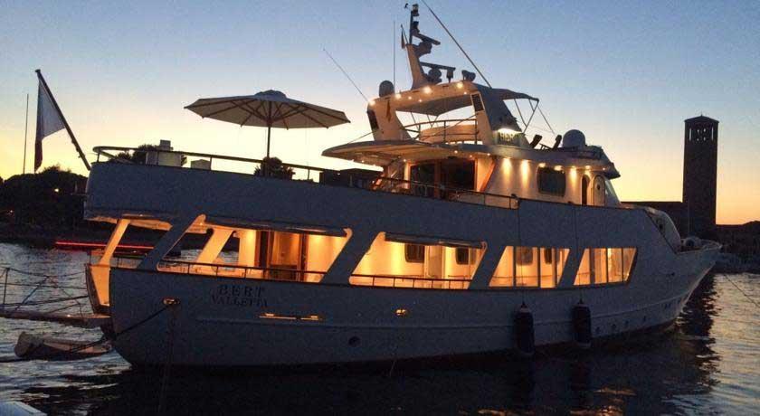 Lo Yacht Bert